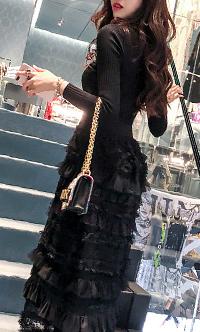 时尚修身蕾丝小香风中裙